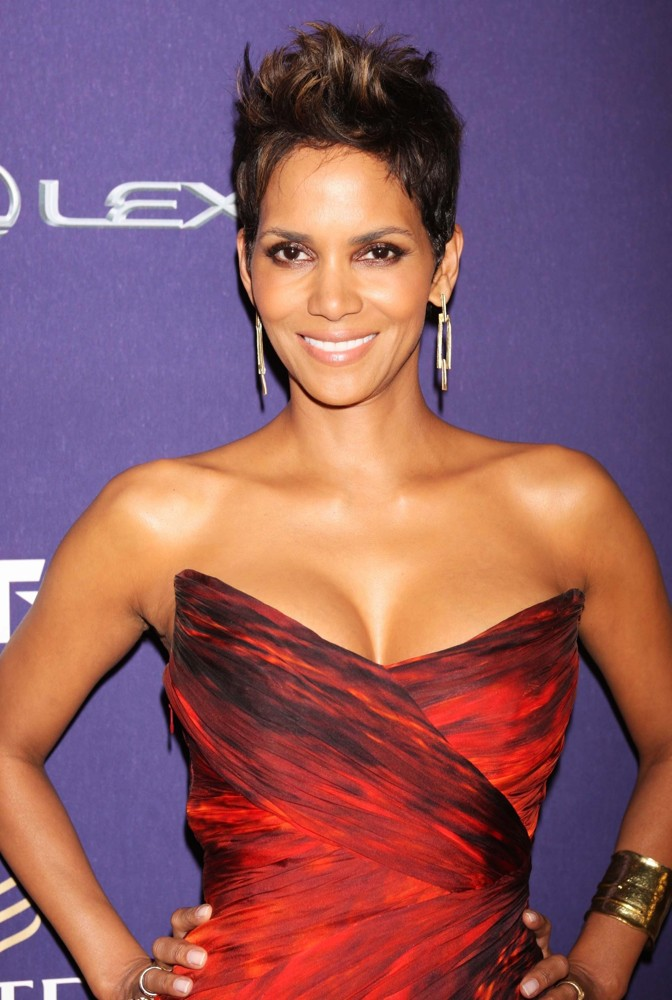 Halle-Berry-2013-She-Is-diva-Storm