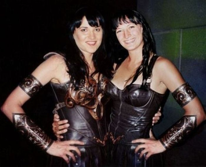 lucy-lawless-zoe-bell-stunt-double