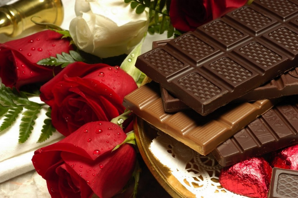 Valentines-Day-Chocolate-and-Roses-For-2013