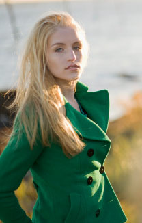 emerald_green_pantone_color_of_the_year_2013_how_to_decorate_with_emerald_green_accessories_clothing_jewelry_green_pea_coat_1356559307