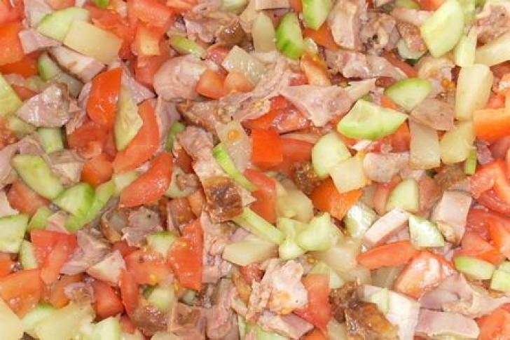 Vistas-ananāsu salāti. FOTO RECEPTE