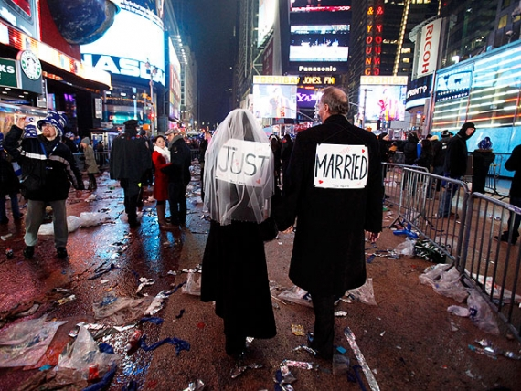 8times-square-new-years-eve-wedding-636