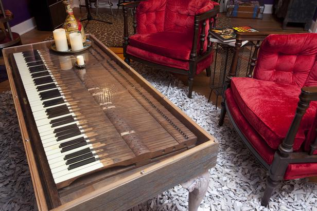 BP_HJKGP112_piano-upcycled-table_4x3_lg