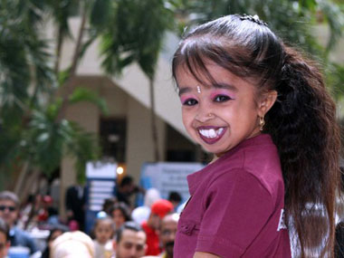 Jyoti-Amge-Worlds-Smallest-Woman-To-Star-In-American-Horror-Show