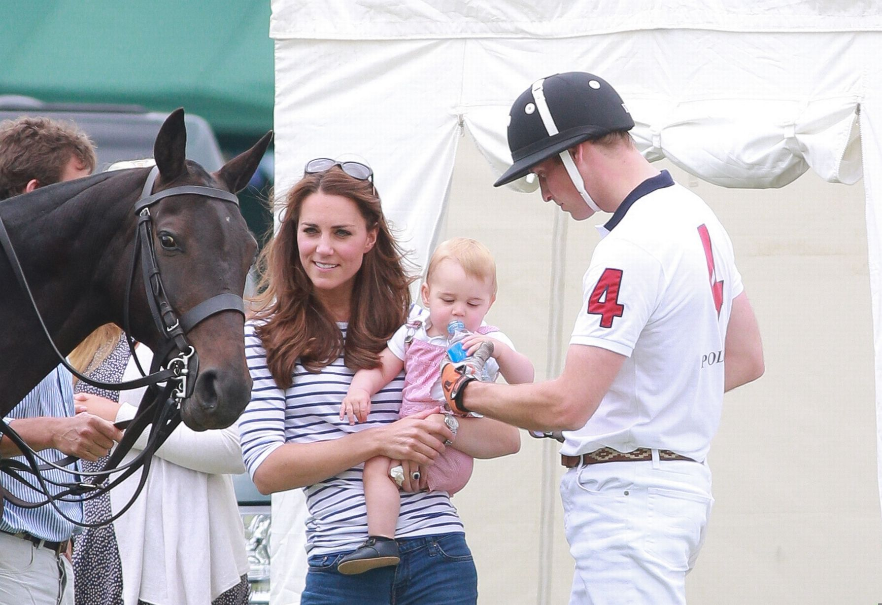 PAY-Kate-Middleton-Prince-George-and-Prince-William