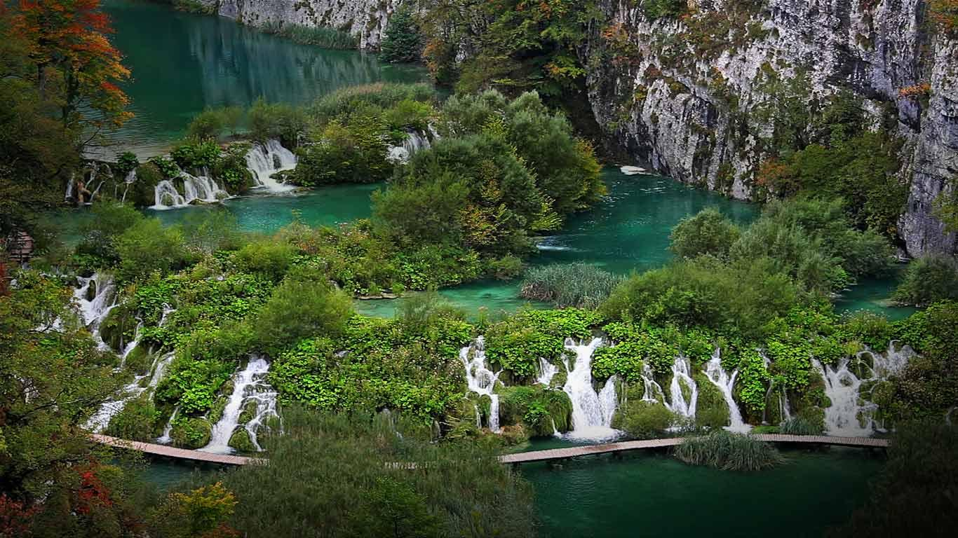 Plitvice_Lakes_National_Park_Croatia_20120824