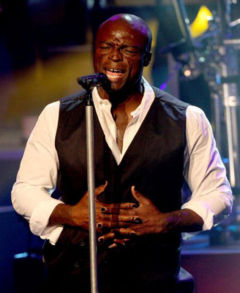 Seal Plays Sydney