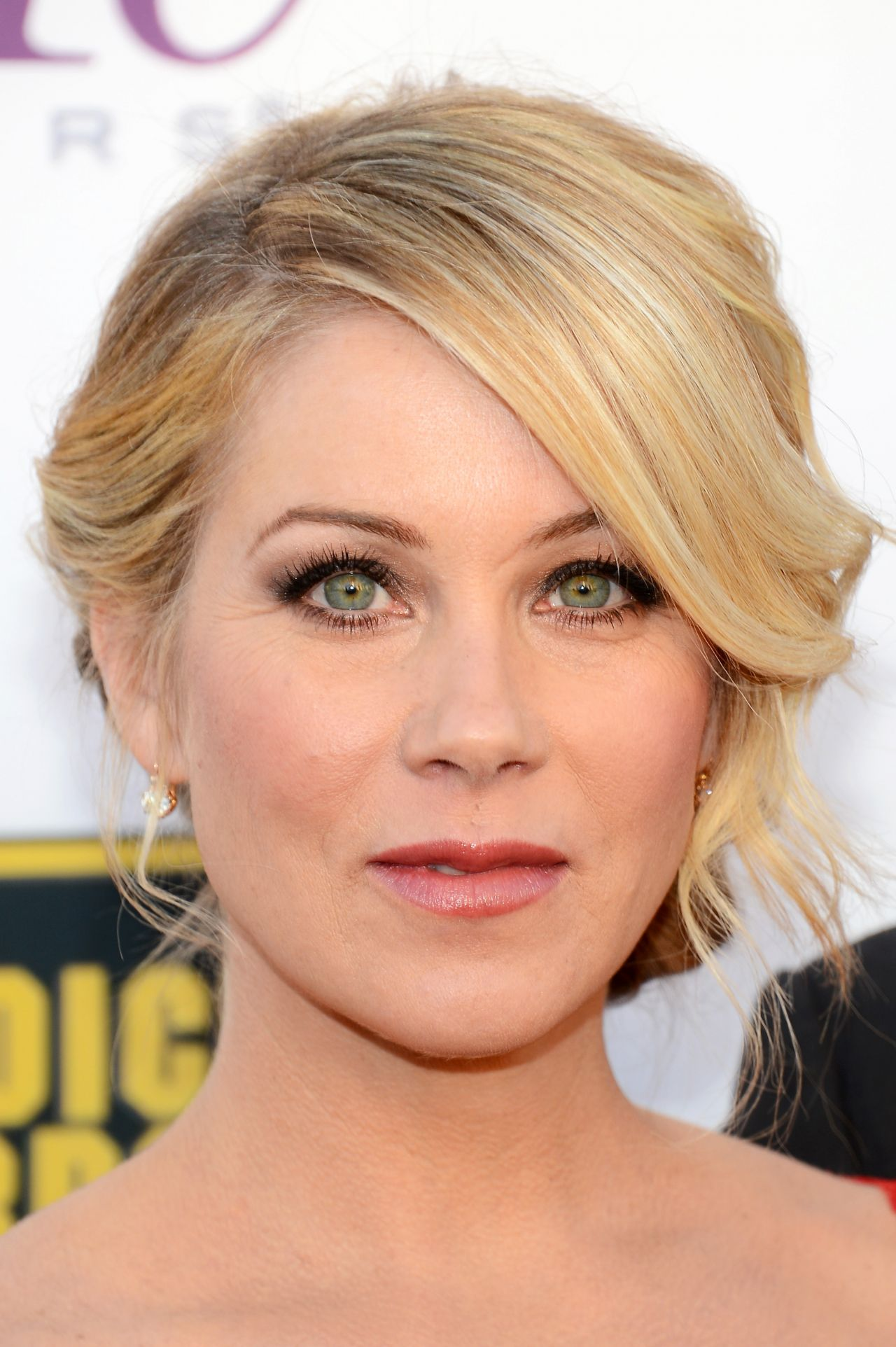 christina-applegate-at-2014-critics-choice-movie-awards-in-santa-monica_2