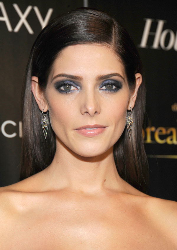 cos-10-ashley-greene-mdn