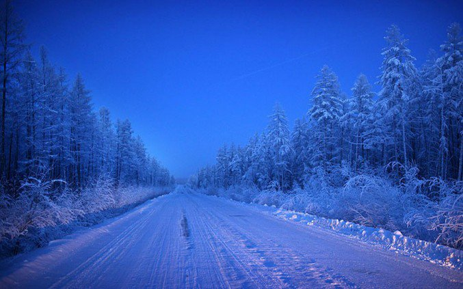 6oymyakon-village-in-russia-by-amos-chapple-6-677x423
