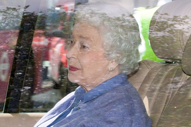 PAY-Queen-Elizabeth-leaves-Kensington-Palace-after-visiting-Princess-Charlotte-for-the-first-time