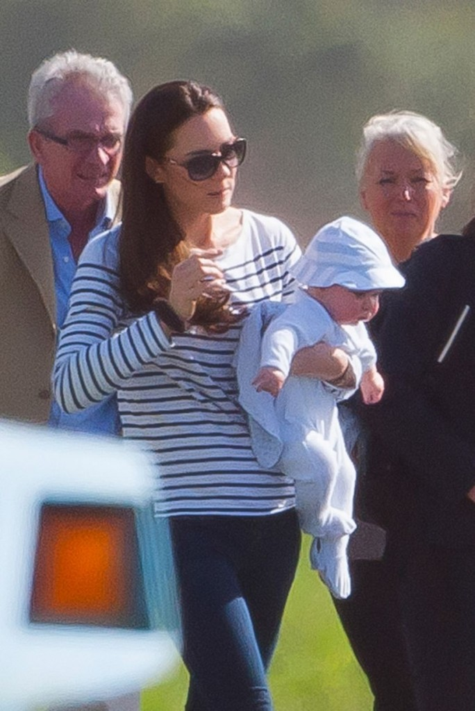 ££££-1k-for-the-set-Kate-Middleton-and-George-3129036
